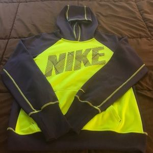 Nike Therma-Fit Hoodie - Ladies Medium